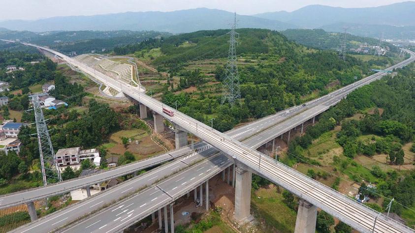 我國首條穿越秦嶺的高速鐵路預計年內開通