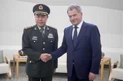芬蘭總統尼尼斯托會見范長龍