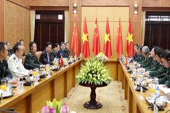 范長龍與越南國防部長吳春歷舉行會談