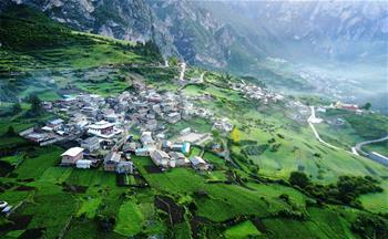 甘南扎尕那:深山中的藏寨秘境