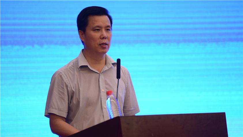 國家發展改革委財政金融司副司長陳洪宛