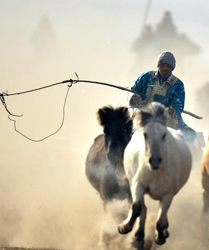 内蒙古第十四届冰雪那达慕在西乌珠穆沁旗开幕