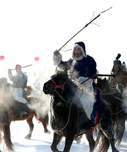 内蒙古首届旅游发展大会举行