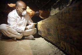 埃及發現距今約3400年阿蒙神金匠墓