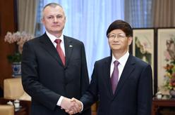 孟建柱會見白俄羅斯內務部長舒涅維奇