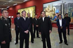 """劉奇葆參觀""""最美中國人""""大型美術作品展"""