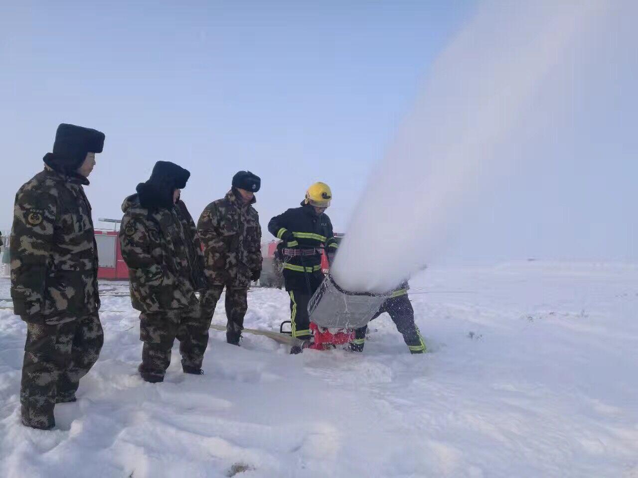 戈壁灘上的救援隊:守護新疆的燃料生命線