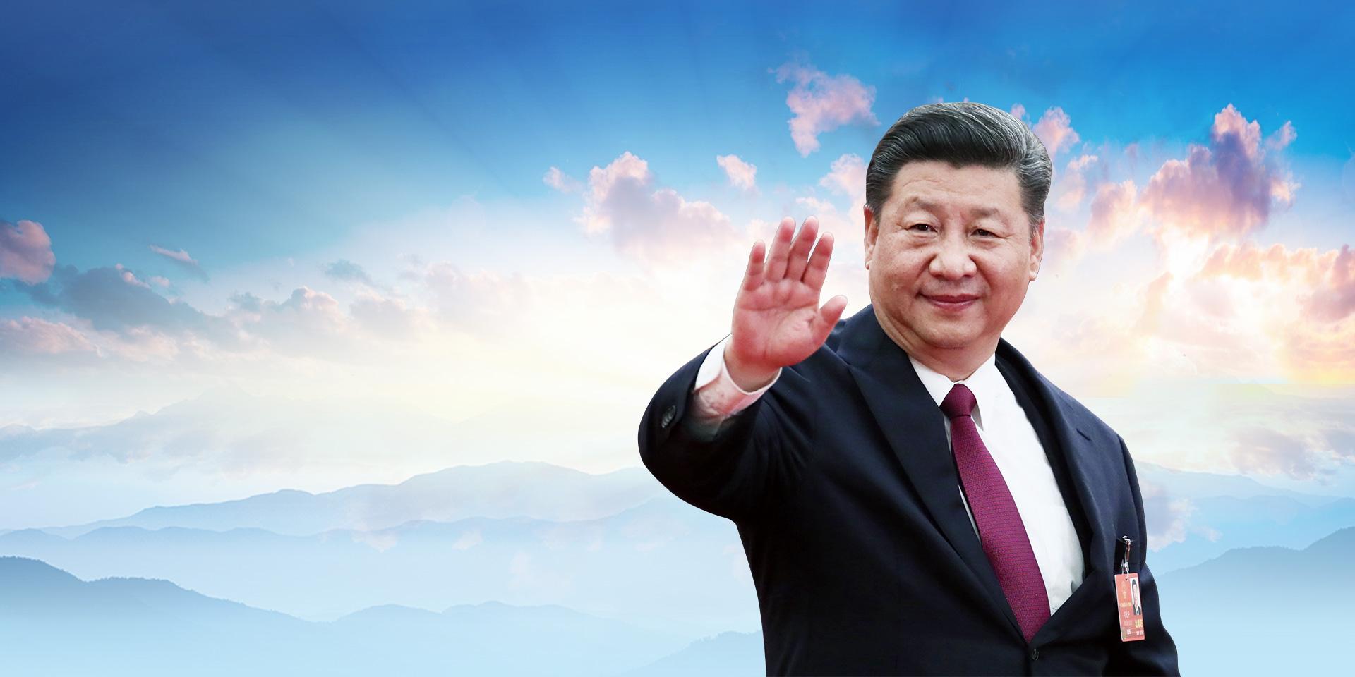 """我们要进一步弘扬""""上海精神"""",破解时代难题,化解风险挑战。"""