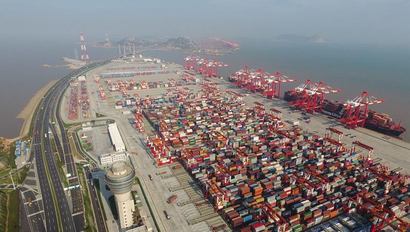 """洋山港""""点睛""""长江经济带"""