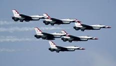 飛行表演添彩法庫國際飛行大會