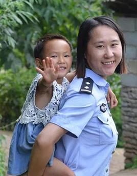 """韦兰:孩子们心中的""""警察妈妈"""""""