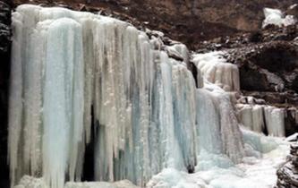 青海南門峽國家濕地公園現絕美冰瀑景觀