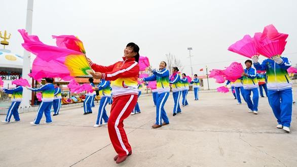 内蒙古兴安盟巴彦敖包嘎查民族团结见闻