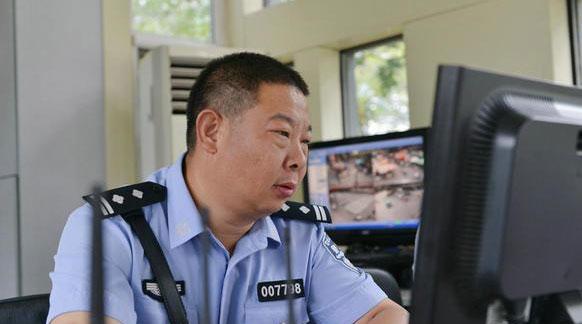 """为人民服务""""不下班""""——追记好警察吕建江"""