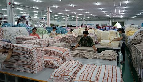 新疆新越絲路有限公司開展民族共建活動促進就業增收