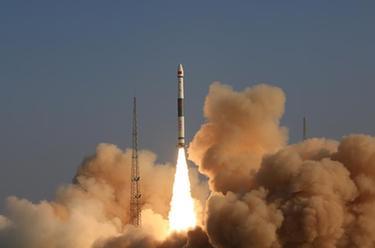我國成功發射銀河航天首發星