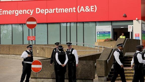 英國累計新冠死亡病例超6000 首相狀態穩定
