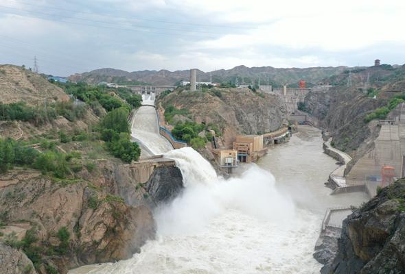 劉家峽水庫加大泄洪流量