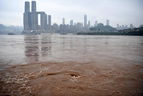 長江重慶段迎入汛以來最大洪水