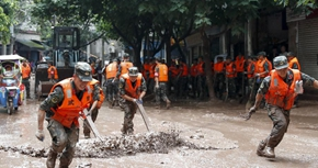 重慶萬州:洪水過後清淤忙