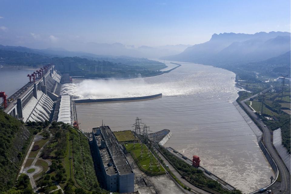 長江中上遊水庫群攔洪超300億立方米