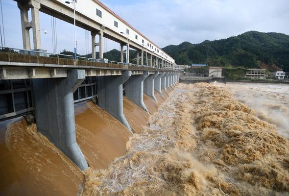 強降雨致湖南岳陽平江部分鄉鎮受災