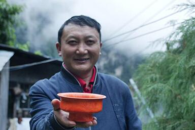 扎西巴珠:木碗盛滿幸福生活