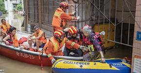 重慶防禦過境洪峰現場記錄