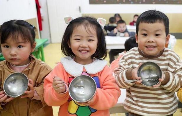 四川广安:节约粮食 从我做起