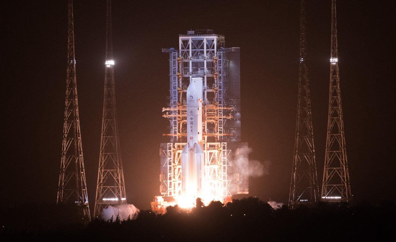 嫦娥五號探測器成功發射
