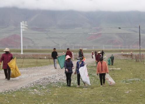 为了心中那片绿——长江源头的捡垃圾志愿队