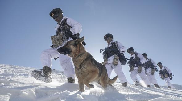 枕戈待旦,辞旧迎新——全军部队在练兵备战中迎接新春佳节