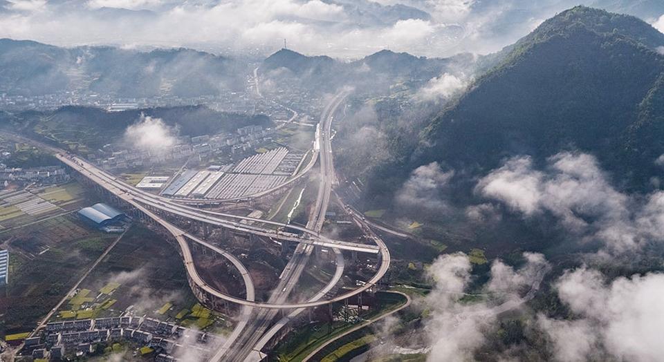 沿着高速看中国|十巫高速建设进入冲刺阶段
