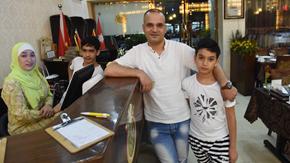 第一報道|7年過去了,習近平主席提到的那位在義烏開餐館的約旦老板現在怎樣了