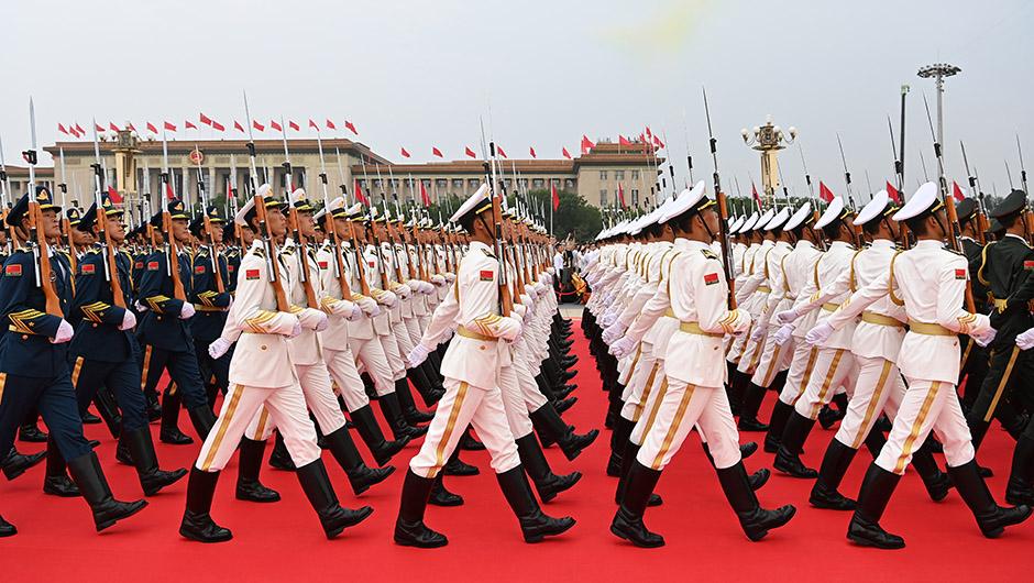 国旗护卫队准备升旗