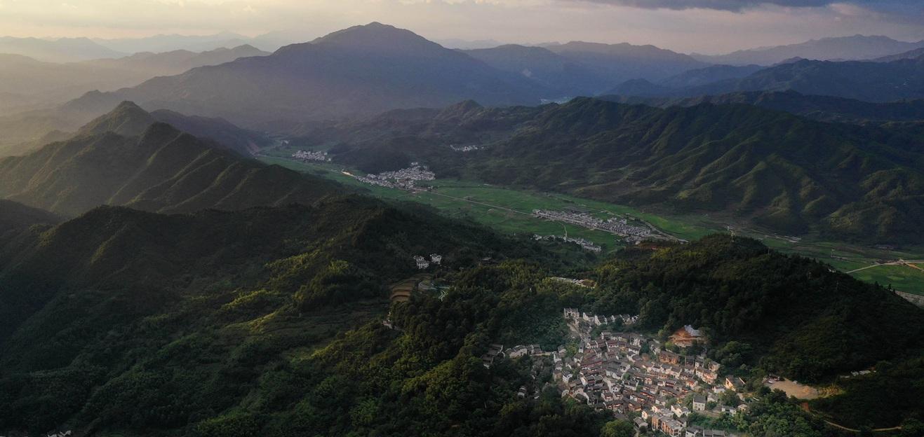 婺源篁岭:乡村旅游带来新生活