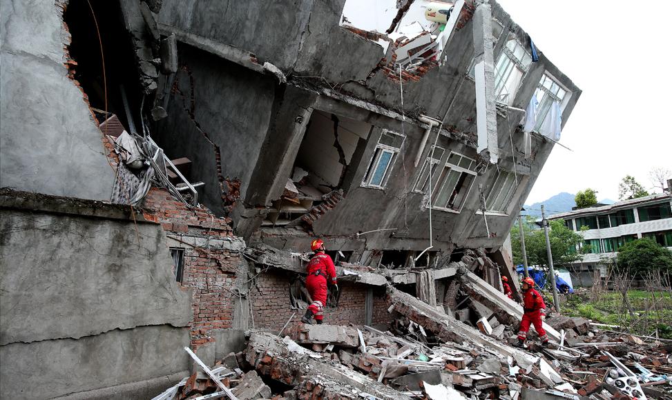 直擊地震救援隊排查危樓