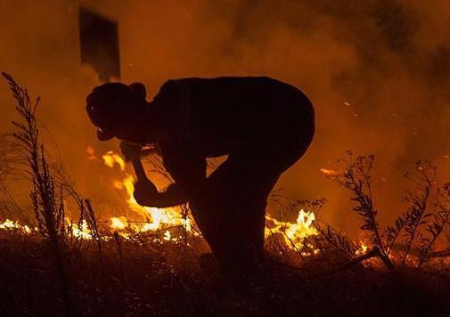 開普敦山火持續