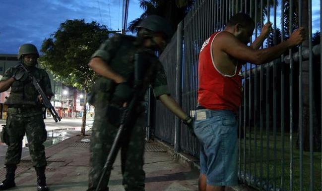 巴西聖埃斯皮裏圖州軍警罷工繼續 113人死于暴力事件