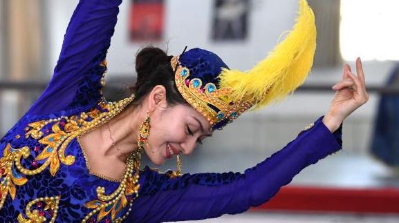舞蹈家阿米娜·玉素甫:讓民族舞蹈不斷傳承和創新