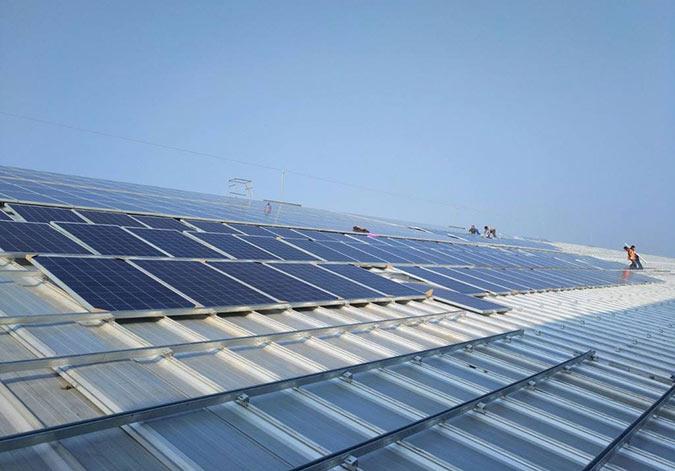 新疆新能源再调整 布局分布式光伏和分散式风电