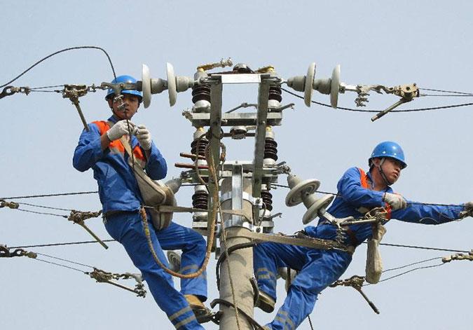 电力和铁路部门努力保障春运圆满收官