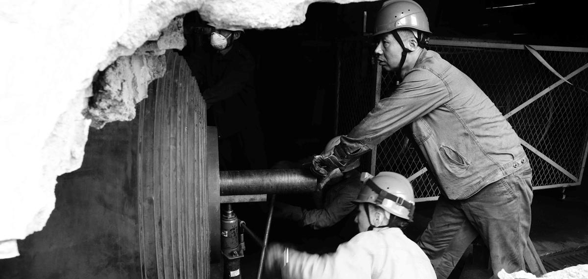 二等奖:《输煤人》——高尚岩(华能大坝发电有限责任公司)