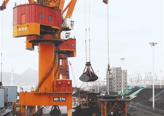 连云港港口抢运电煤御寒潮 优先保证电煤船舶进出港