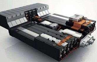 执磷酸铁锂电池,弄潮新能源产业