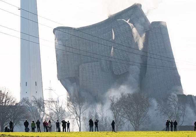德国爆破一处废弃燃煤电站