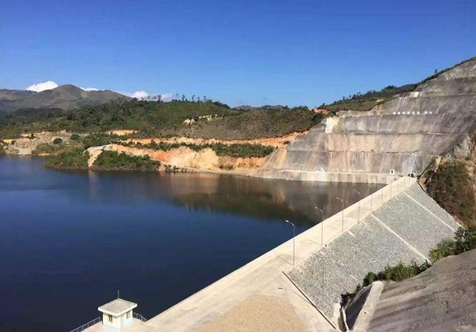 中老合作水电站给老挝山区带来新变化
