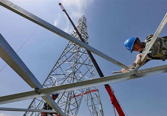张北至雄安1000千伏特高压交流输变电工程加紧施工