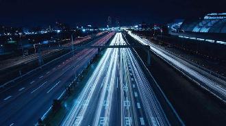 充电全过程替代人工:智慧公交充电机器人在天津成功运行