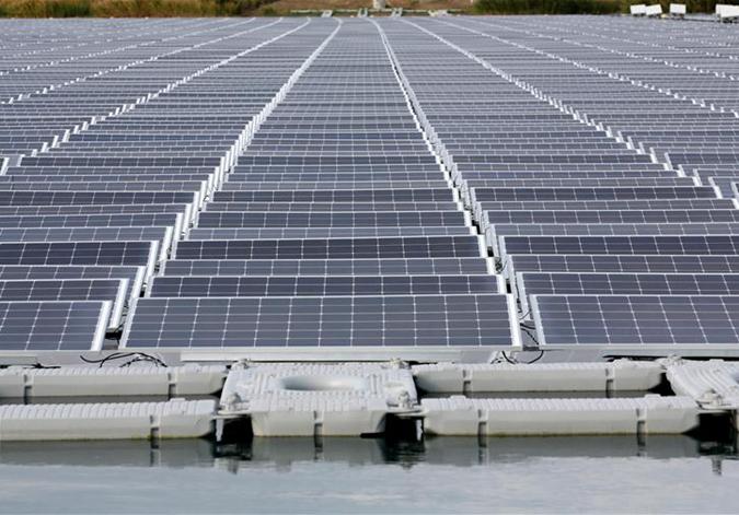 法国启用首个漂浮光伏电站